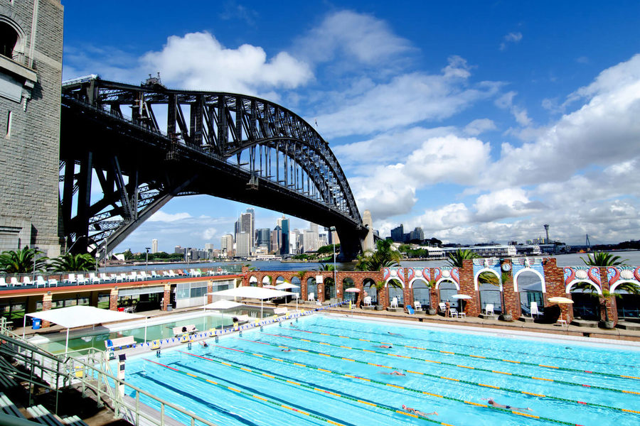 Make a splash in sydney 39 s best outdoor swimming pools qantas travel insider for North wales hotels with swimming pools